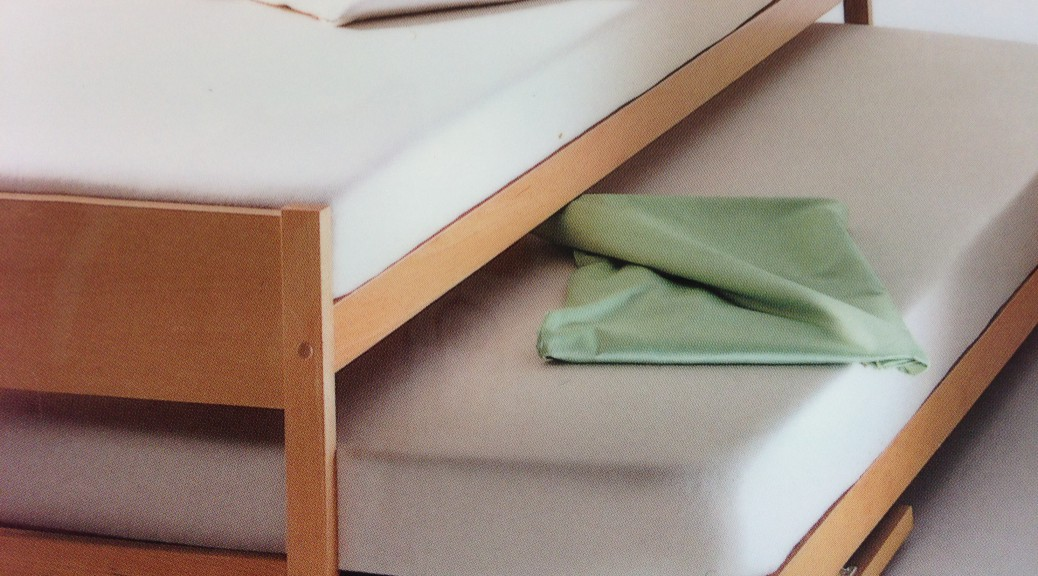 Aus 1 mach 2 verwandelbares bett welzmiller raumgestaltung for Doppelbett platzsparend